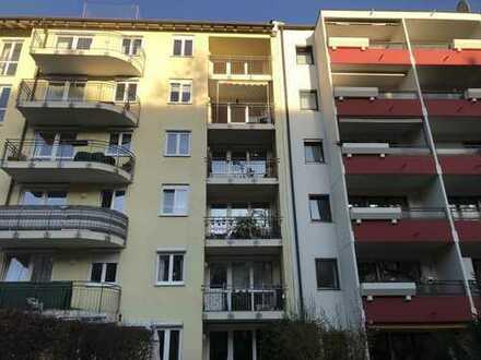 Top attraktive sonnige 3 Zimmer Wohnung mit S/W Balkon