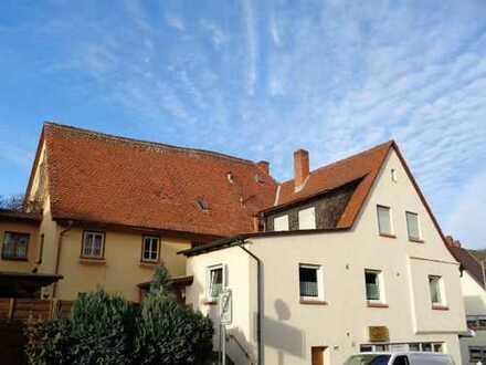 Einfamilienhaus für die große Familie mit Ladeneinheit im EG und Nebengebäude