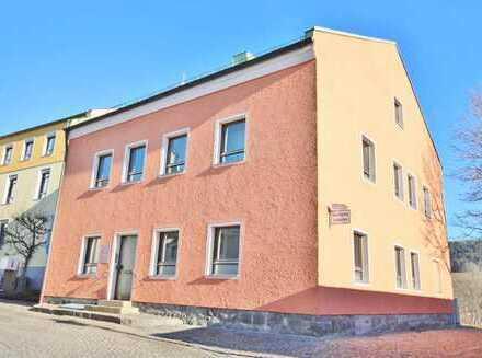 Kapitalanlage oder Eigennutzung! Flexibles Wohn- und Geschäftshaus in 94481 Grafenau