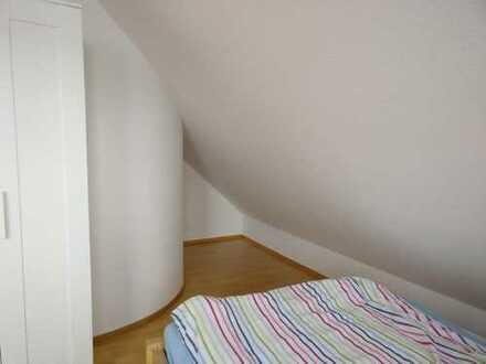 Helles 13qm Zimmer in 2er WG