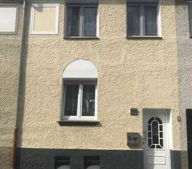 Schönes, kernsaniertes, geräumiges Haus mit drei Zimmern in Essen, Karnap
