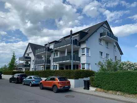 Stilvolle, neuwertige 4-Zimmer-EG-Wohnung mit Terrasse und Einbauküche in Herrenberg