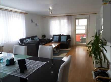 Sonnige Wohnung mit vier Zimmern in zentraler Lage in Kuppingen