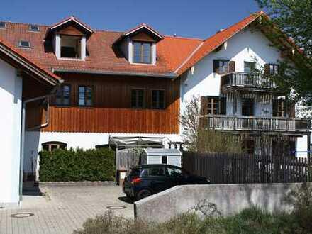 Großzügige 3-Zimmer-Wohnung auf zwei Ebenen mit Südterrasse im Herzen von Sauerlach