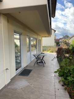 Im Bieterverfahren: Großes 1-Familienhaus mit Garten und Garage in begehrter ruhiger Wohnlage