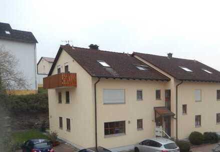 Gepflegte 3-Zimmer-Wohnung mit Balkon und Einbauküche in Bad Abbach
