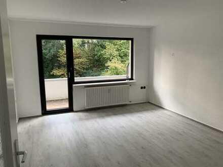 Schöne, sanierte 3 Raum Wohnung im 1. OG mit Balkon/Gartennutzung