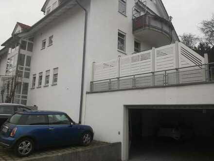 Gepflegte 2,5-Zimmer-Wohnung mit Terasse und Einbauküche in Geislingen an der Steige