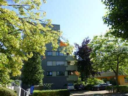 Helle 2,5 Zimmer -ETW mit einer schönen Terrasse, zu verkaufen