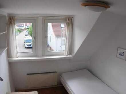 Zimmer im Stadtteil Buchholz im Reihenhaus an Pendler zu vermieten
