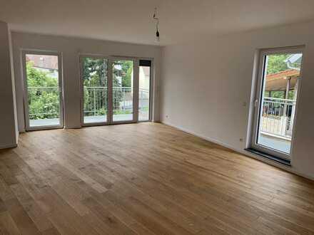 Erstbezug: stilvolle 5-Zimmer Wohnung mit mehreren Balkonen und 4-Zimmer Penthouse Wohnung