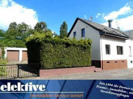 Reduziert! Duisburg-Homberg: Teilrenoviertes Einfamilienhaus mit viel Potential für Veränderung