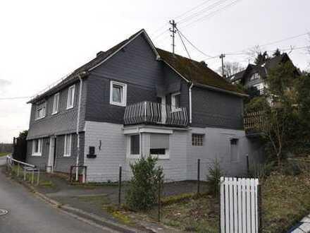 Oberheuslingen Baugrundstück inkl. Fachwerkhaus mit Inst. Bedarf.