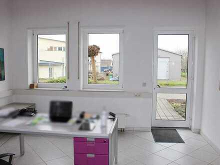 Freckenfeld: Büroräume mit Labor/Werkstatt/Lager sowie Wc´s und Küche