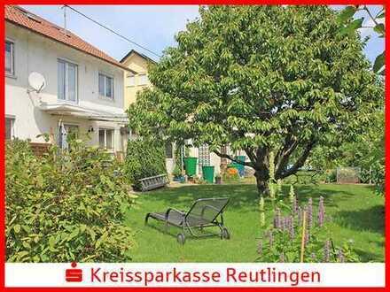 Ein- oder Zweifamilienhaus mit einem herrlichen Garten in absolut ruhiger Lage !