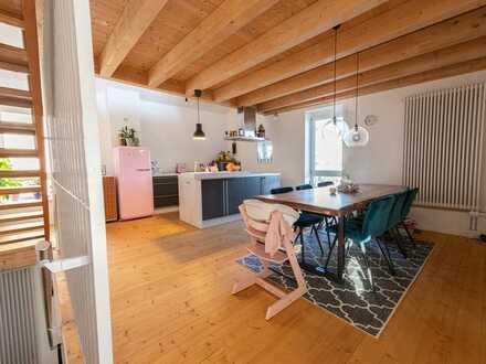 Romantische Scheune / 3-Raum-Maisonettewohnung mit Balkon (wie Doppelhaushälfte) für Individualisten