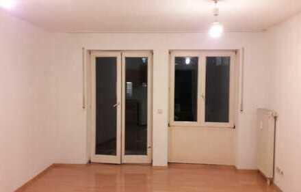 1-Zimmer-Wohnung mit Balkon, Küche & WaMa in Singen am Waldrand