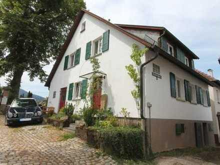 Ruhig gel. Einfamilienhaus mit Charme, ca. 180 m² Wfl. u. PKW - Stellpl. in 76593 Gernsbach
