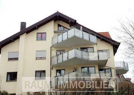 Außergewöhnliche schöne und großzügige DG - Wohnung mit großem Balkon und Aussicht.