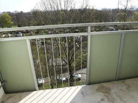 TOP-Wohnung zum TOP-Mietpreis - Südbalkon - Wanne - im DG