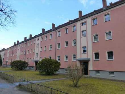 RESERVIERT! Vermietete 2-Zimmer-Wohnung mit Balkon, Schuppen und Stellplatz in Alt Ruppin