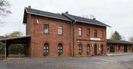 Komplett saniertes Café/Restaurant im historischem Bahnhofsgebäude