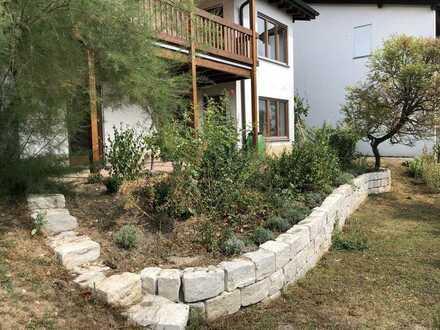 Modernisierte 2-Zimmer-Wohnung mit Balkon und Einbauküche in Waldshut-Tiengen
