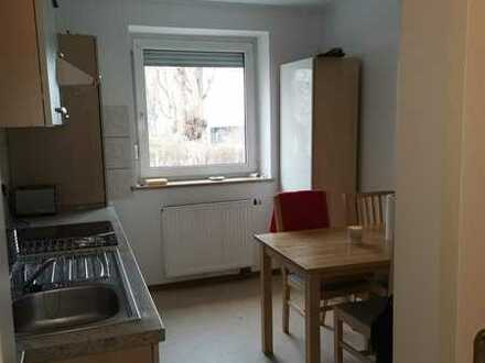 Zimmer in 2er WG/3-Zimmer-Wohnung in Guerickestraße