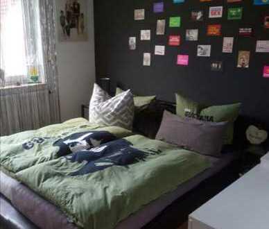 Gepflegte Wohnung mit drei Zimmern und Balkon in Lichtenfels (Kreis)