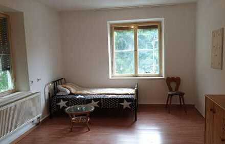 Zimmer für 3er WG im zentralen, sanierten, historischen Gebäude in Geislingen zu vermieten