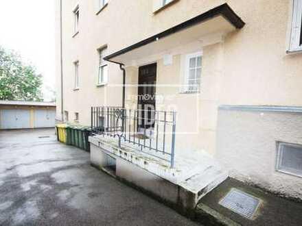 Helle 3 Zimmer-Altbauwohnung mit Einbauküche in Hinterhoflage, nah an der Kahnfahrt!