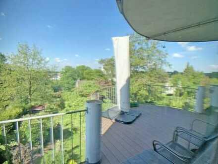 Villenlage mit Panoramablick, geräumige 3 Zimmer Wohnung