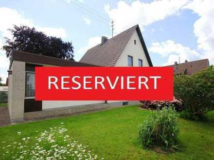 Familienfreundliches, gepflegtes Einfamilienhaus mit Anbau, Garage und kl. Gärtnerei!