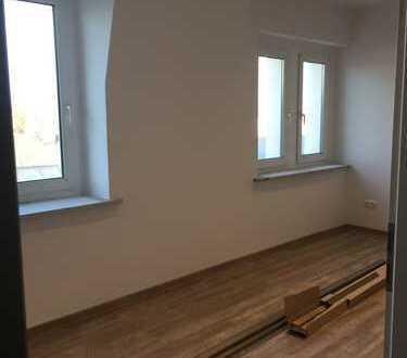 Einzigartige, weitläufige Drei-Zimmer-Wohnung