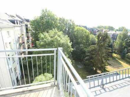 im beliebten Stadtteil Kaßberg, mit Blick auf einen Park, auch für Eigennutzer ideal