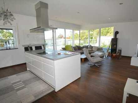 Wunderschöne 3 Zi. Wohnung mit großer, sonniger Dachterrasse in beliebter Lage Coburgs
