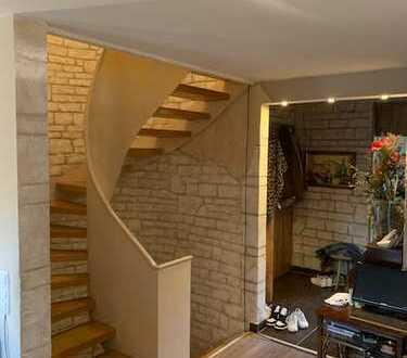 5 Zimmer Maisonettewohnung mit schönen Gartenanteil