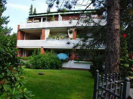 Gepflegte 2-Zimmer-Wohnung mit Süd-Balkon und EBK in Blankenese, Hamburg