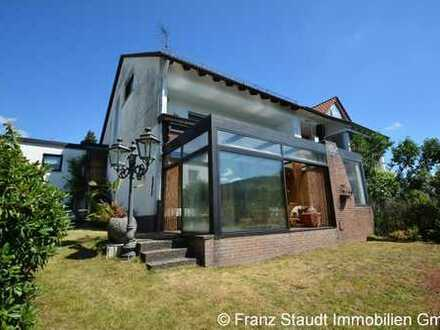 Einfamilienhaus (DHH) mit traumhaftem Blick über Sailauf