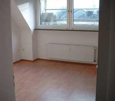Freundliche, vollständig renovierte 3,5-Zimmer-DG-Wohnung in Hagen