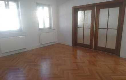 **Erstbezug nach Sanierung von Privat mit Balkon ** 4-Zimmerwohnung im Herzen Aschaffenburgs