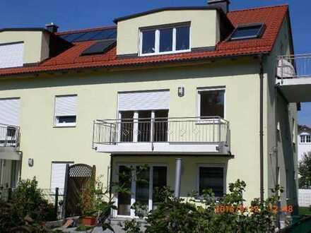 Schöne, helle 2 Zi-Wohnung 67 qm, Balkon, TG