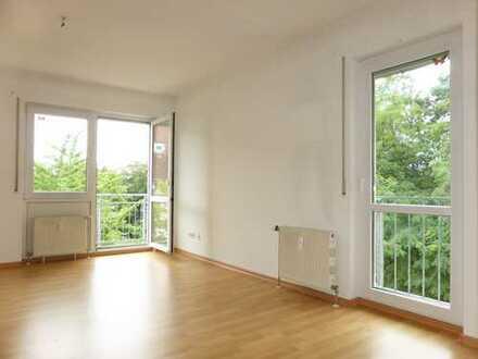 Für Kapitalanleger: Helle 2-Raum Wohnung mit großem Südwest-Balkon in Heidenähe