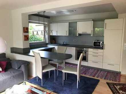 Ruhig wunderschön Moderne voll möblierte 2 Zimmer Wohnung, mit sonniger Terrasse