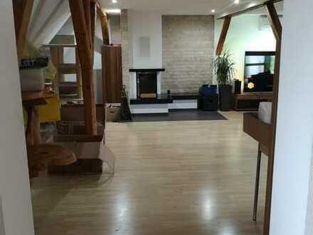 3 Zimmer Maisonette-Wohnung mit Kamin und Klimaanlage