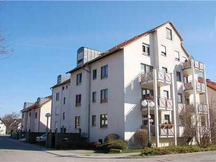 Gepflegte 2-Zimmer-Wohnung mit Balkon und EBK in Renningen