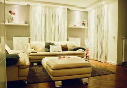 Stilvolle, modernisierte 3-Zimmer-EG-Wohnung mit Tarrase und EBK in Frankfurt am Main