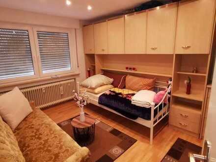 Sonniges Zimmer 16,2 qm mit Gartenbenutzung an Studentin