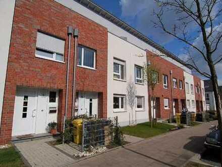 Modernes Reihenhaus mit Studio & Dachterrasse! Garten! Garage! Bj. 2005!