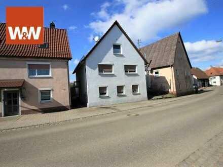Einfamilienhaus mit viel Potenzial zur Wohnraumerweiterung und großer Doppelgarage  in Hohenstadt